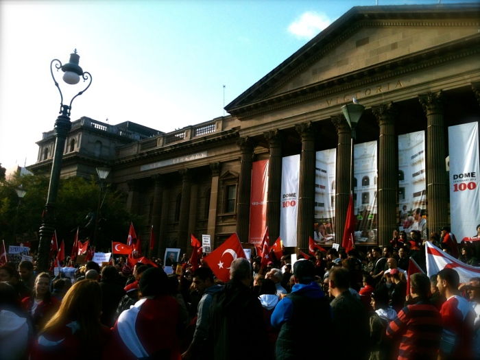 Turkish protestors outside the State Library, June 2013
