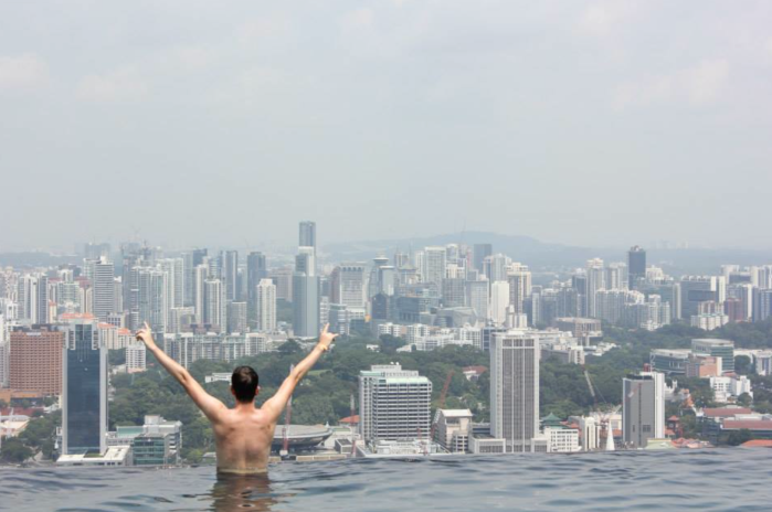 The illusion of the Infinity Pool continues right until you get to the edge